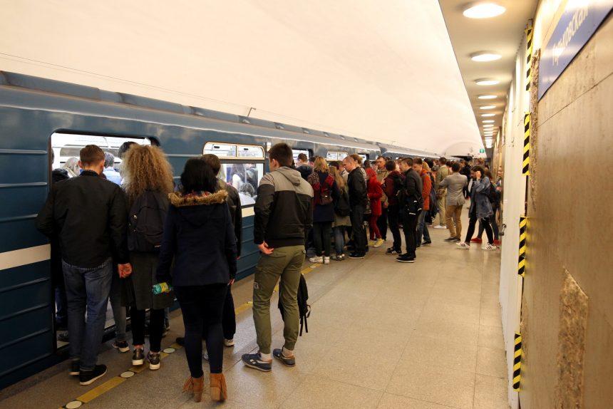 станция метрополитена горьковская
