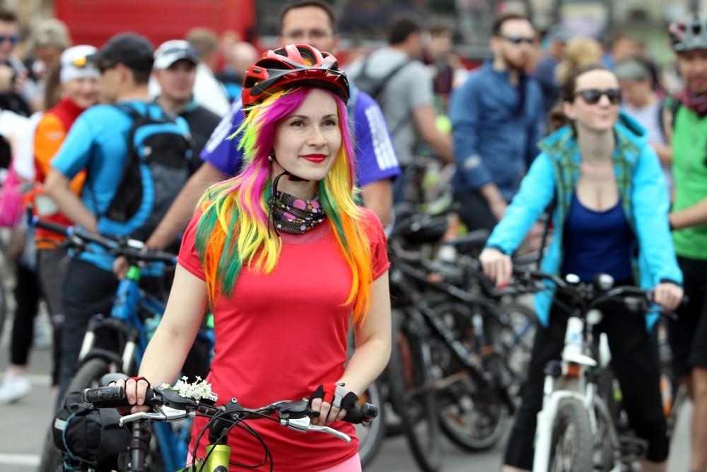большой велопарад 2016 велосипедисты велодвижение красивая девушка портрет