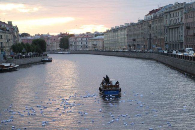 река памяти, кораблики