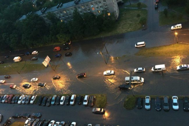 дождь погода затопление наводнение проспект народного ополчения