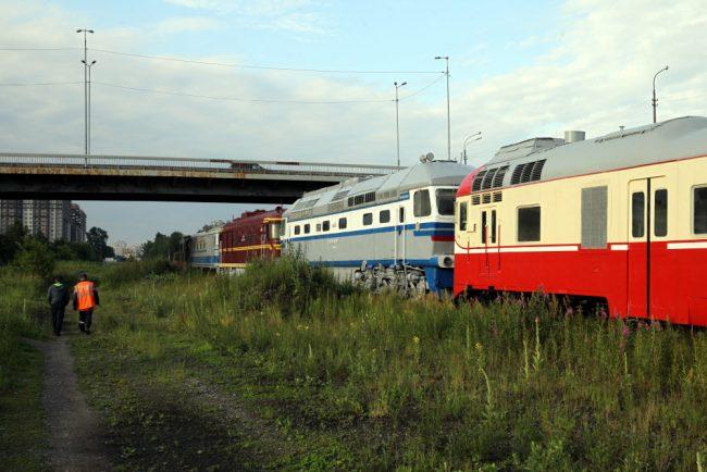вывоз железнодорожной техники из музея на варшавском вокзале тепловозы электровозы вагоны ташкентский путепровод