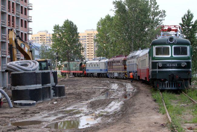 вывоз железнодорожной техники из музея на варшавском вокзале тепловозы электровозы строительство жилого комплекса московские ворота