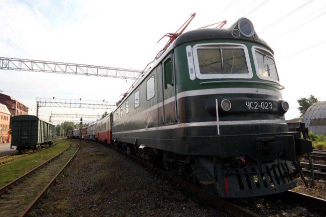 вывоз железнодорожной техники из музея на варшавском вокзале тепловозы электровозы станция цветочная