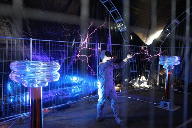 фестиваль науки и технологий geek picnic тесла-шоу электричество заряд молнии