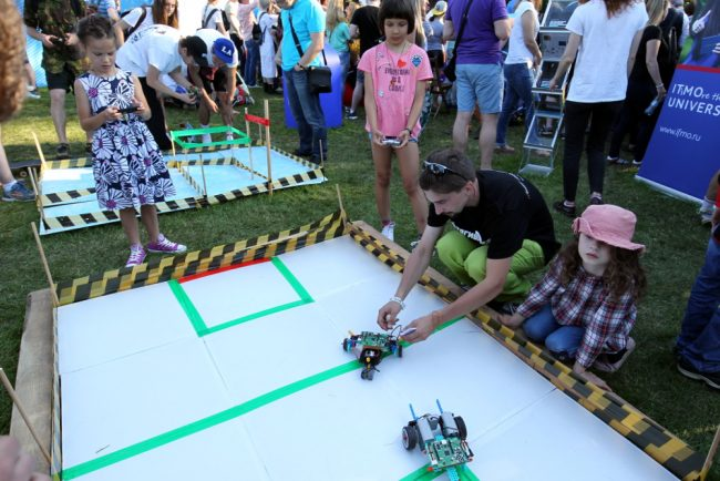 фестиваль науки и технологий geek picnic роботы арена