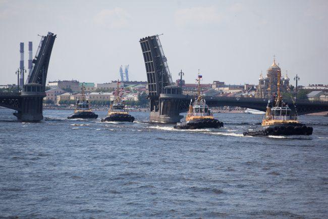 речной карнавал корабли благовещенский мост