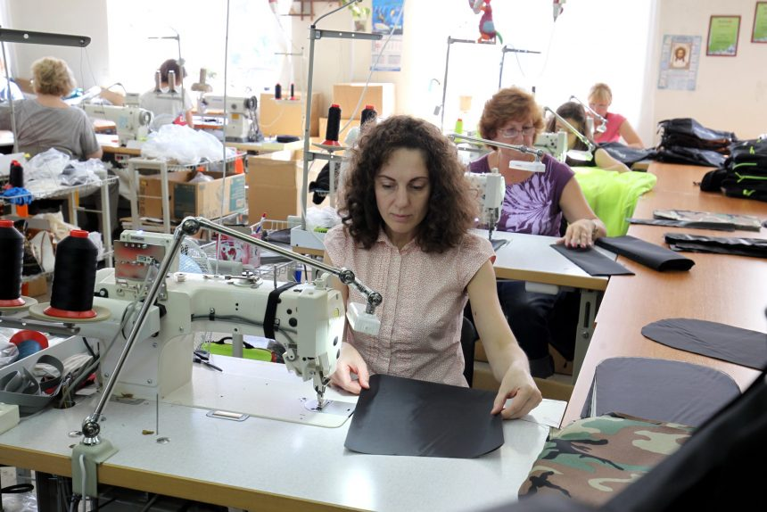 швейная фабрика производство спецодежды red fox лёгкая промышленность одежда