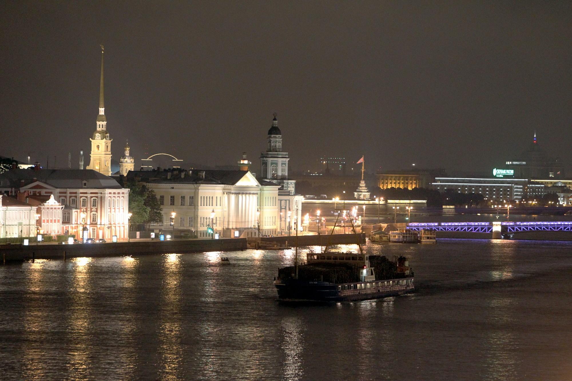 навигация судоходство нева кунсткамера петропавловская крепость университетская набережная дворцовый мост