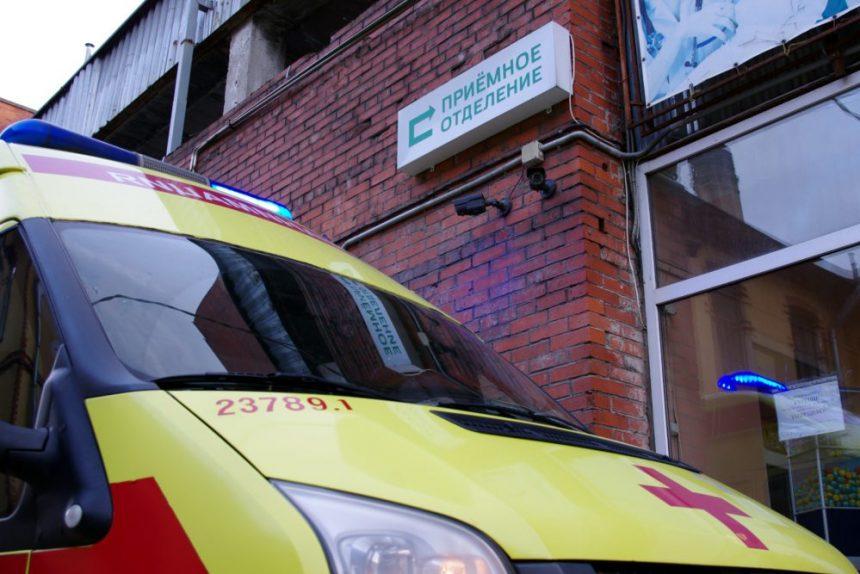 Поликлиника не для местных: как получить медпомощь, если живёшь в одном районе, а прописан - в другом