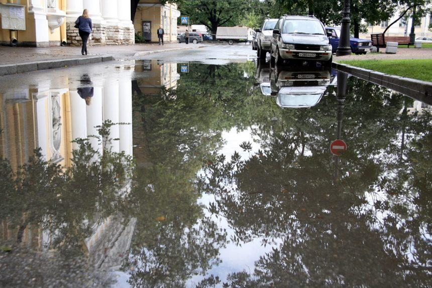 лужи скопление воды дождь ливневая канализация