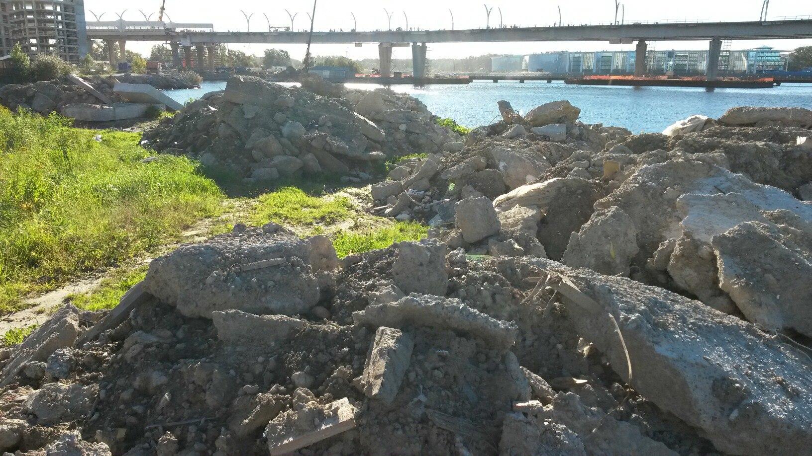 Строительный мусор несанкционированная свалка отходы финский залив приморский район