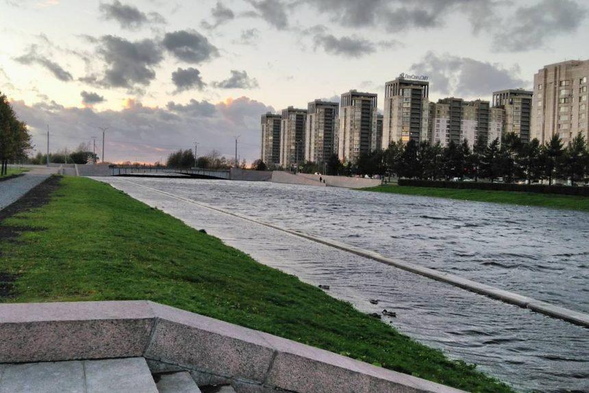На Васильевском острове отреставрировали Новосмоленскую набережную