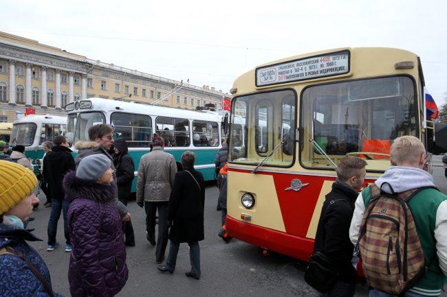 празднование 80-летия троллейбуса горэлектротранс дворцовая площадь зиу-9