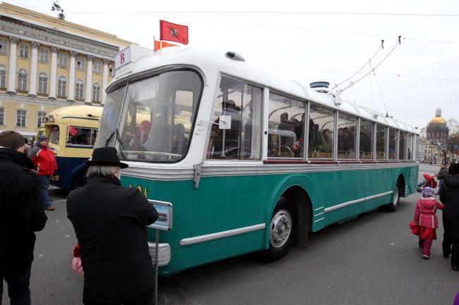 празднование 80-летия троллейбуса горэлектротранс дворцовая площадь ретро-троллейбус сварз-тбэс-всхв