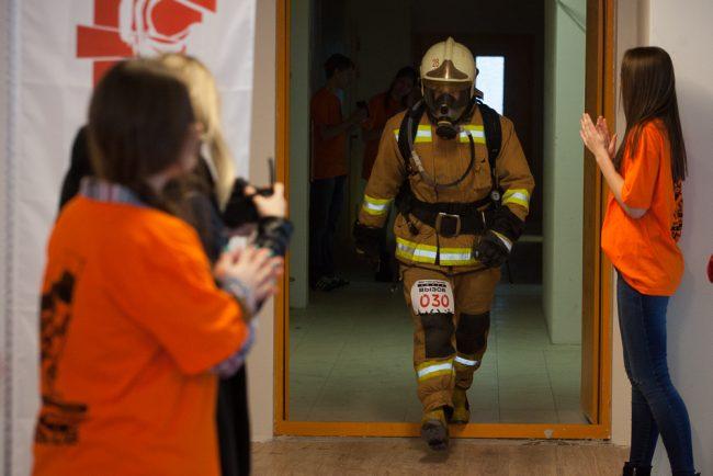 пожарные спасатели мчс