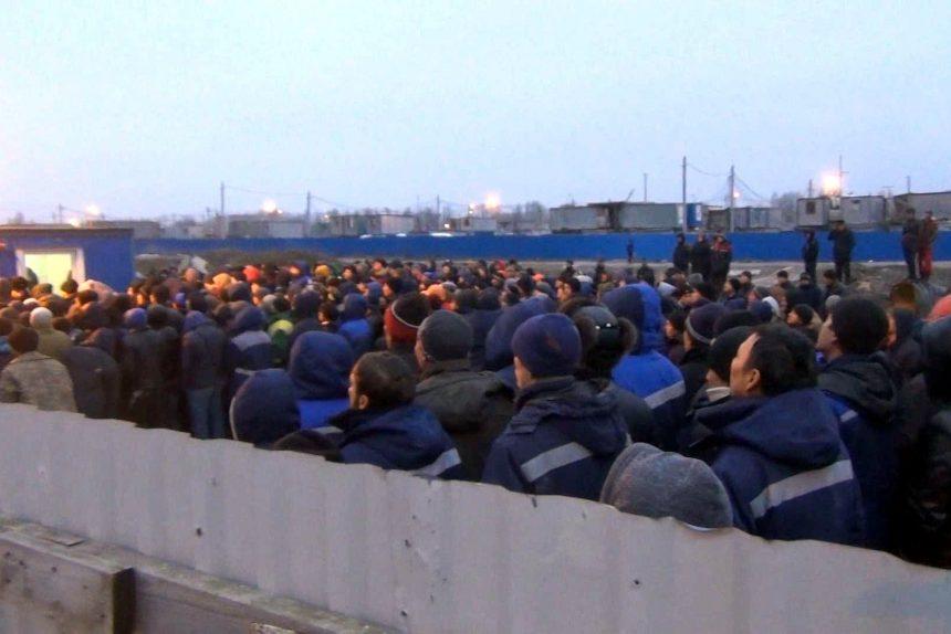 мигранты стройплощадка проверка документов управление по вопросам миграции гу мвд