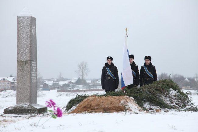захоронение бойцов красной армии мемориал корчмино посёлок сапёрный великая отечественная война