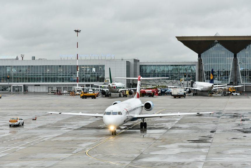 аэропорт пулково самолёт авиалайнер воздушное сообщение