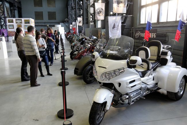 открытие творческого пространства artplay артплей красногвардейская площадь мотоциклы