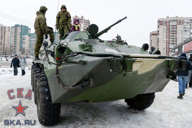 военная техника выставка военной техники у ледового дворца