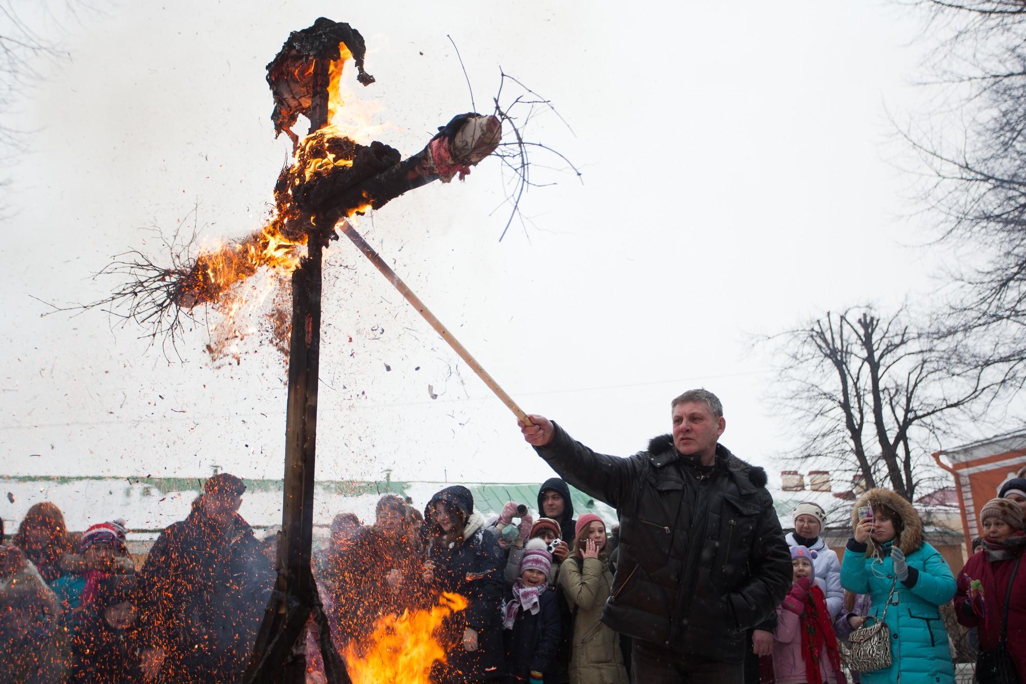 широкая масленица петропавловская крепость сожжение чучела