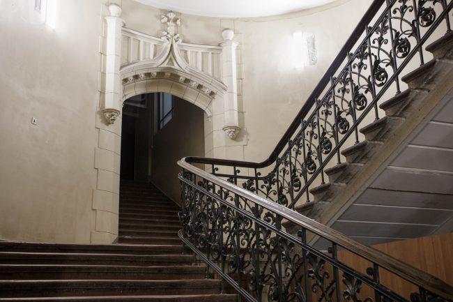 дом на садовой 55 лестница