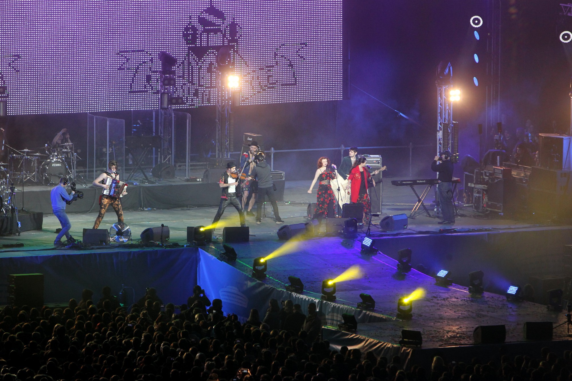 стадион на крестовском зенит-арена концерт фестиваль радио зенит группа шляпники hatters