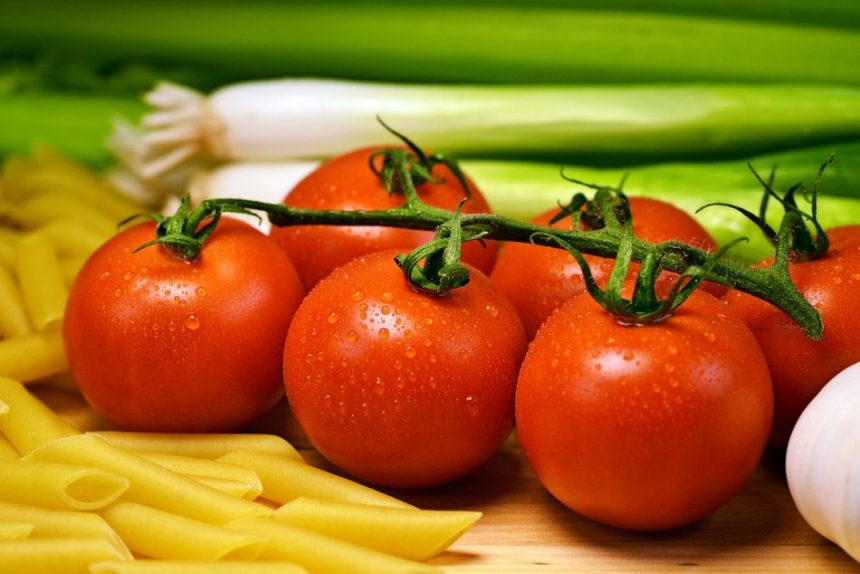 овощи кулинария еда помидоры лук макароны