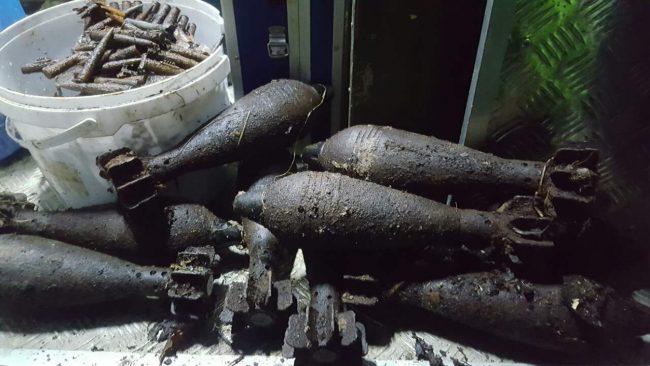 боеприпасы мины гранаты патроны чёрные копатели оружие