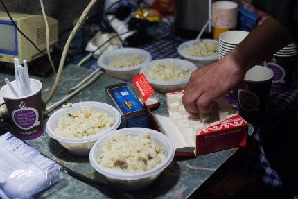 пункт обогрева ночлежка бездомные еда пища