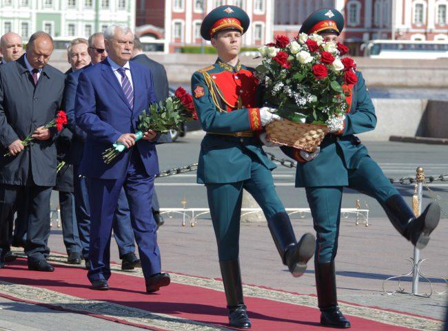 день города возложение цветов медный всадник георгий полтавченко