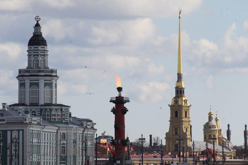 День Победы ростральные колонны