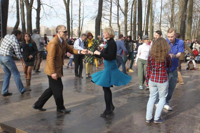 Твидовый велопробег Лопухинский сад танцы