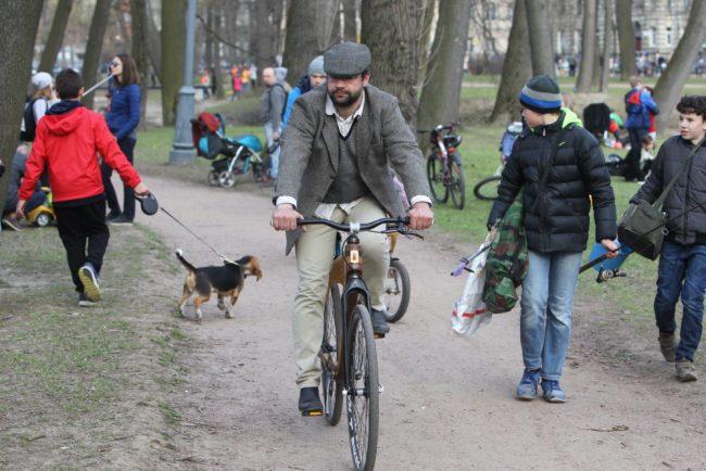 Твидовый велопробег Лопухинский сад велосипеды