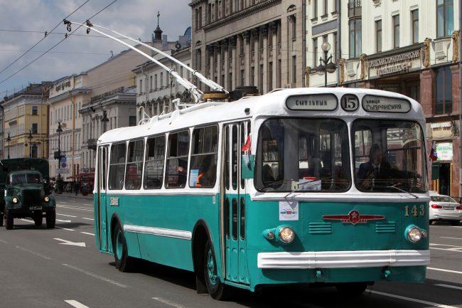 парад ретроавтомобилей Невский проспект транспорт троллейбус ЗИУ-5