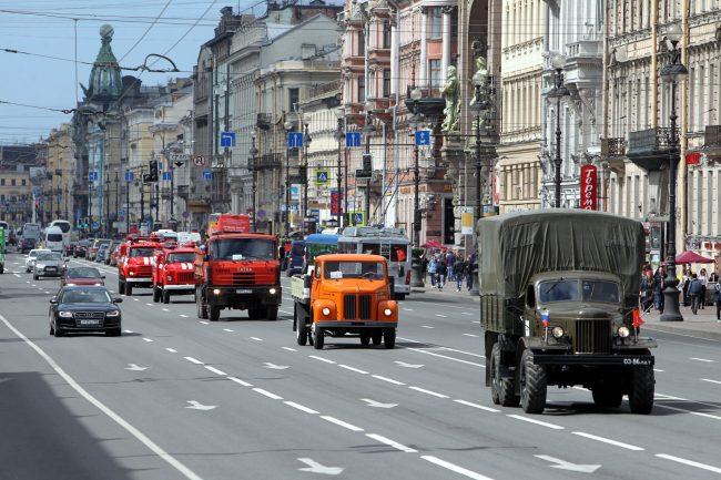 парад ретроавтомобилей Невский проспект транспорт