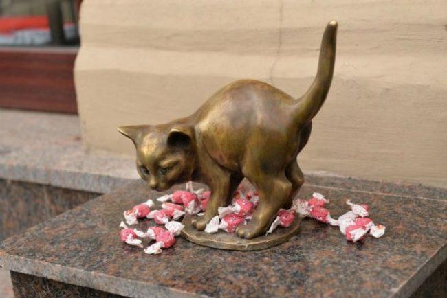 котенок фунтик статуэтка памятник