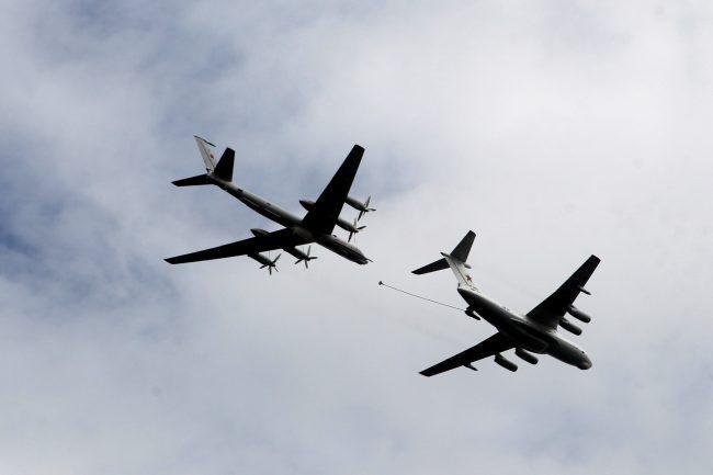 репетиция парада день ВМФ зрители авиация военные самолёты летающий танкер ил-78 заправка