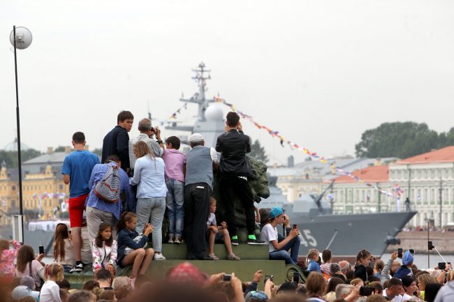 репетиция парада день ВМФ зрители лев Адмиралтейская набережная