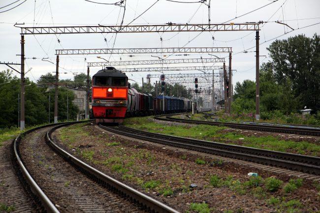 железнодорожная станция глухоозерская железная дорога локомотив тепловоз вагоны поезд