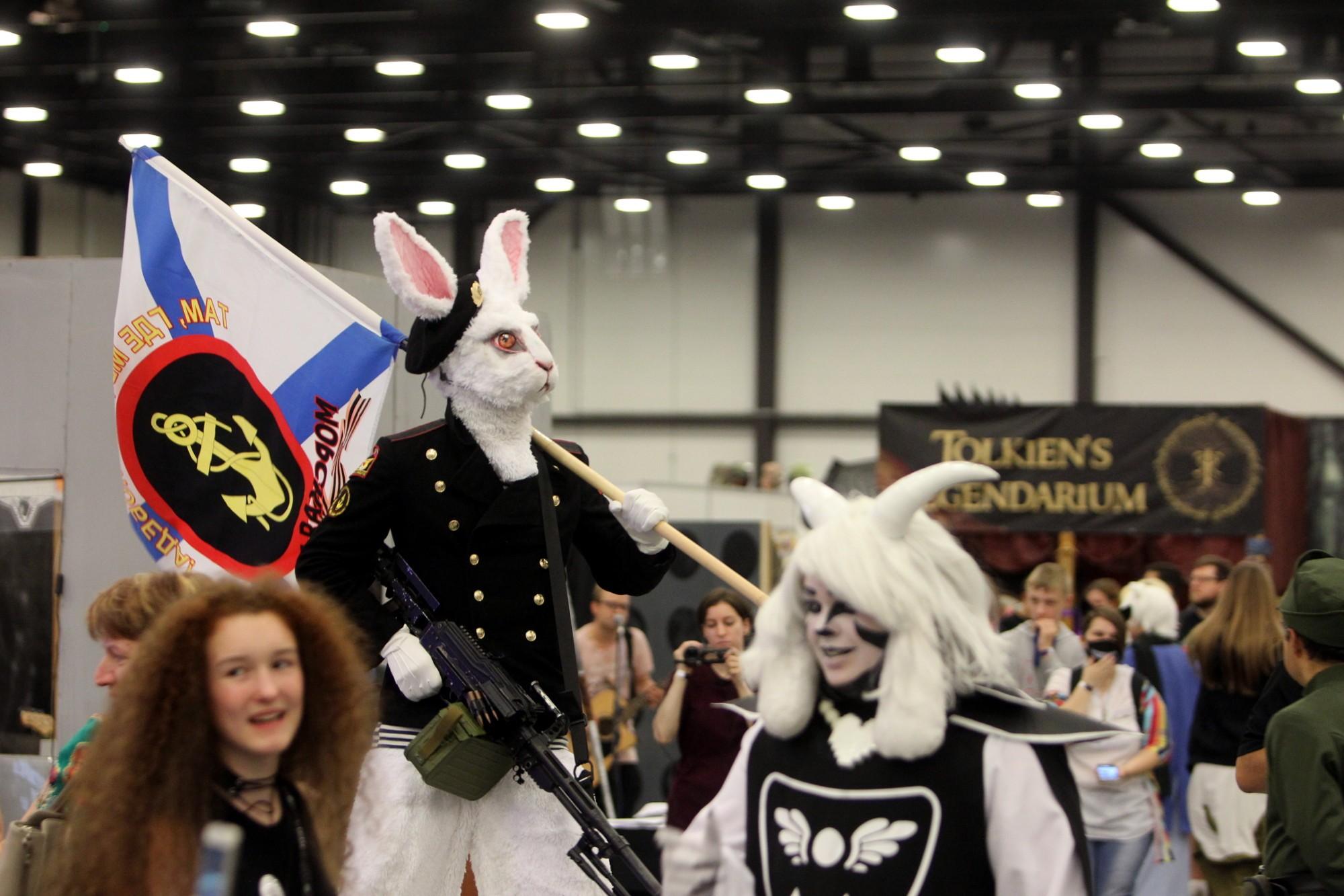 старкон фестиваль косплей фантастика костюмы заяц день вмф