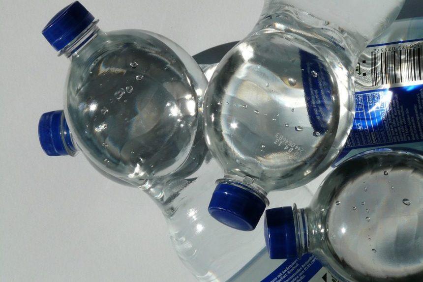 вода питьевая бутылки пластик