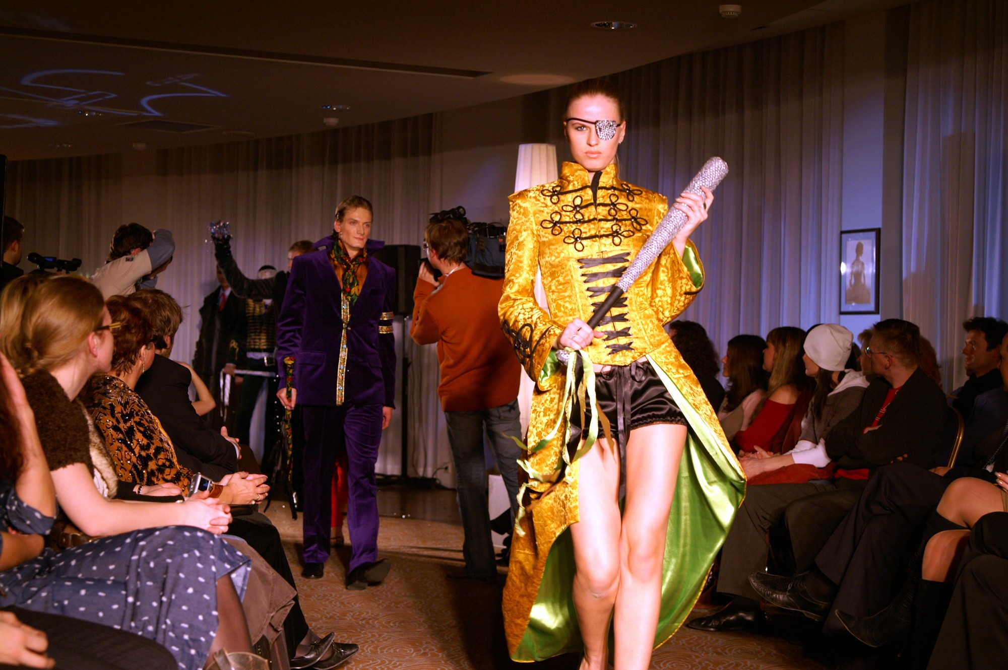 мода коллекция гламурные падонки адмиралтейская игла 2006