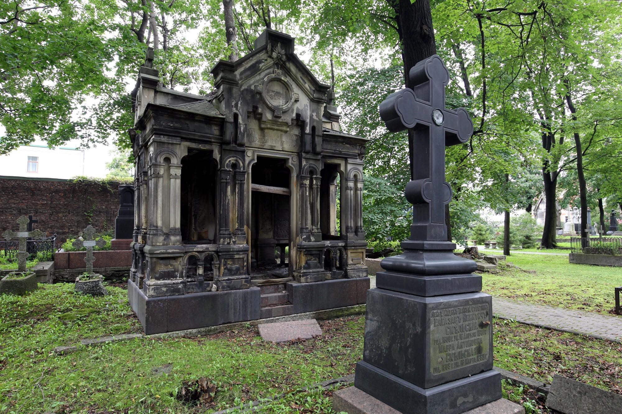 Новодевичье кладбище в Петербурге