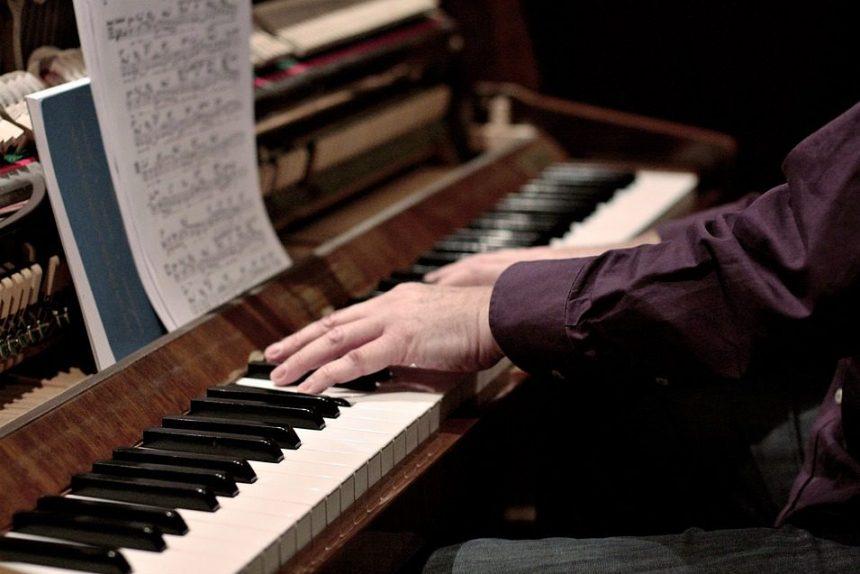 пианино фортепиано рояль музыка руки