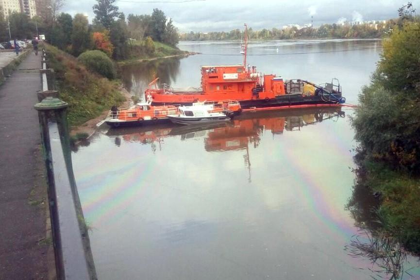 разлив нефти река славянка