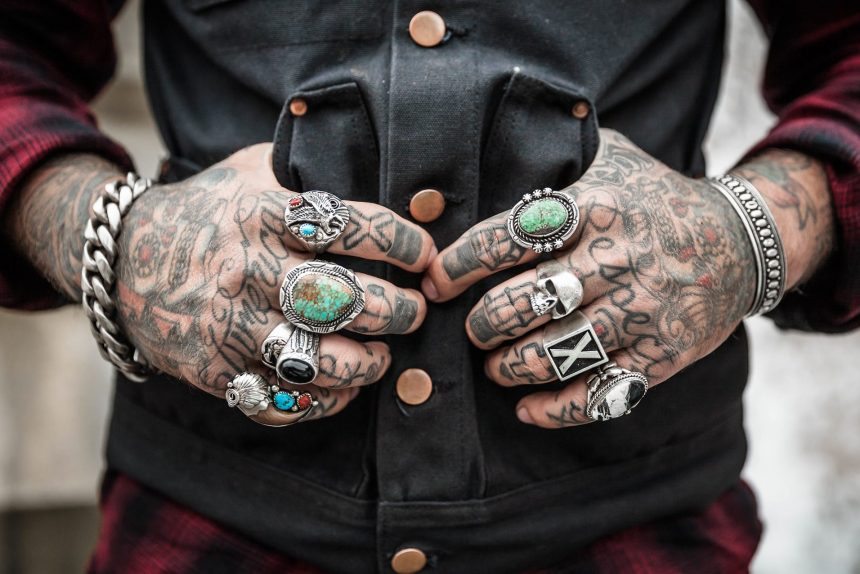 руки татуировка
