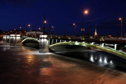 Биржевой мост Нева зима лёд