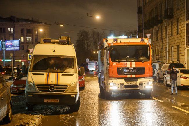 взрыв в магазине на Кондратьевском проспекте скорая помощь пожарные