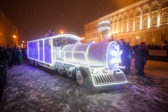 Новый год иллюминация поезд